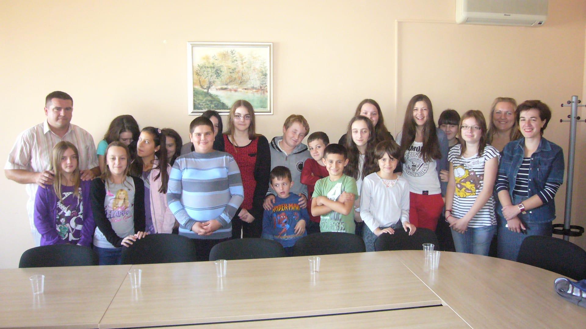 Načelnik Općine sa učenicima Osnovne škole