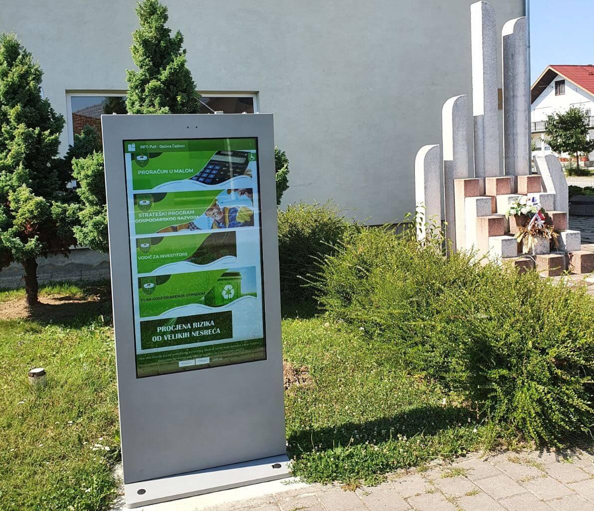 Mobilna aplikacija i info-touch ploča za prijavu komunalnih problema